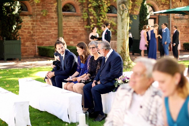 Hochzeit Hofgut von Hünersdorff Gäste Trauung