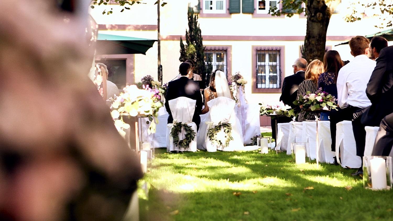 Hochzeit Hofgut von Hünersdorff Trauung im Freien